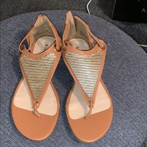 Tan thong sandals/ sequence in front zipper in bk